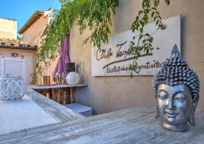 csm_Grosses-Mediterranes-Dorfhaus-in-Andratx-mit-privatem-Garten---Outdoor-Bar-Luxury_Estates_Mallorca-Foto_370993_569905ba7e