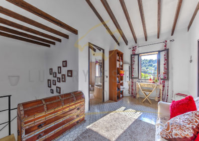 csm_Grosses-Mediterranes-Dorfhaus-in-Andratx-mit-privatem-Garten---Vorraum-Luxury_Estates_Mallorca-Foto_370975_69f7e98f9c