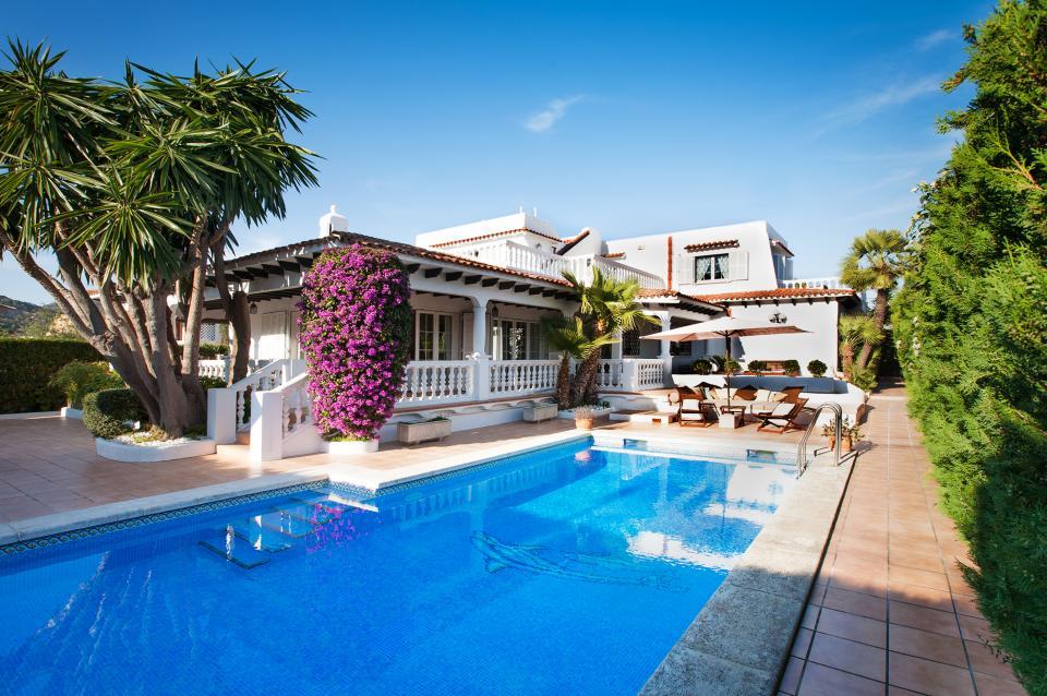 Impresionante villa unifamiliar con piscina
